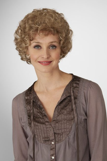 Milady Wig Natural Image - image Daxbourne-Natural-Image-26-02-14_Milady_572-435x652 on https://purewigs.com