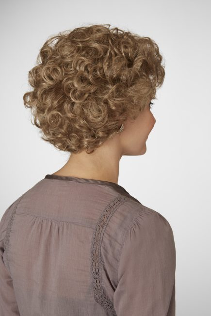 Milady Wig Natural Image - image Daxbourne-Natural-Image-26-02-14_Milady_596-435x652 on https://purewigs.com