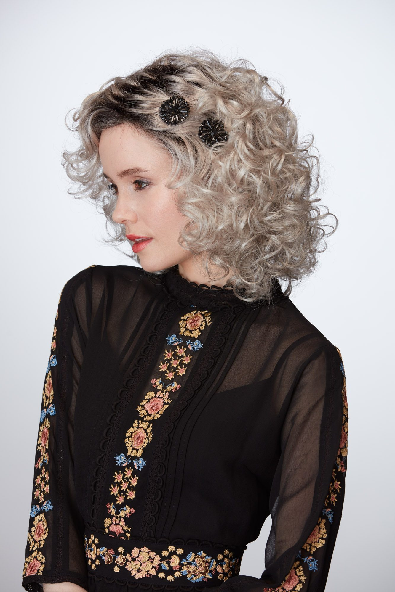 Admiration Wig Natural Image - image Compelling_G602_313 on https://purewigs.com